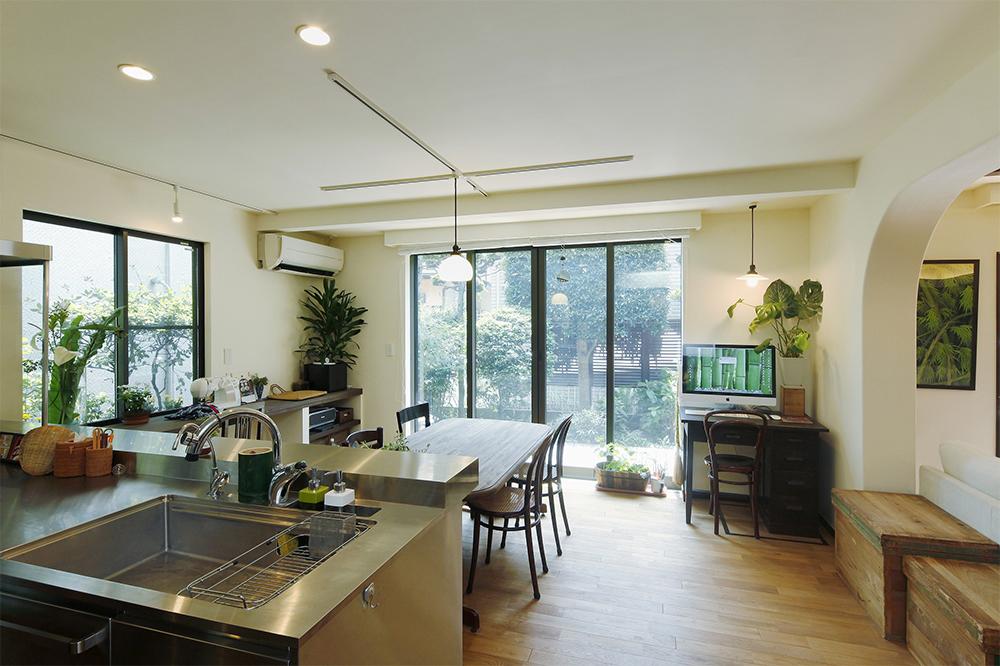 緑あふれる快適な二世帯住宅へ
